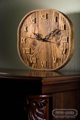 Часы из ретродоски